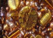 Perles artisanales en verre ambre